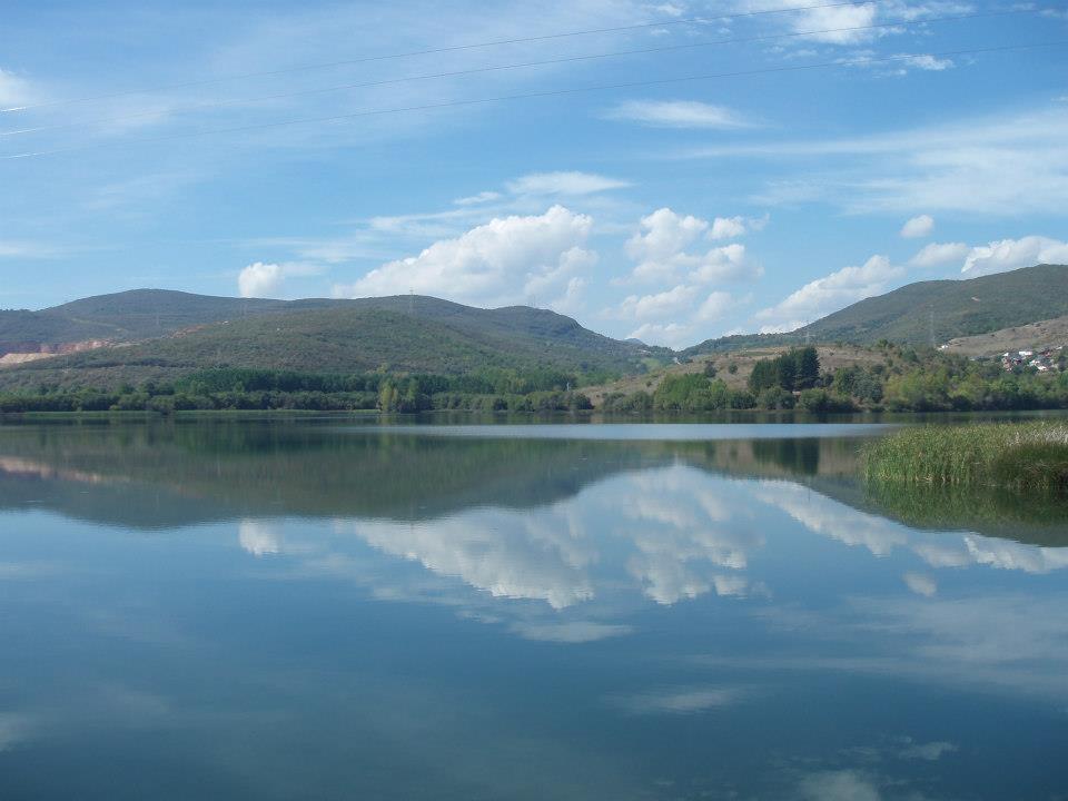 Lago de Carucedo, 5km from Las Médulas