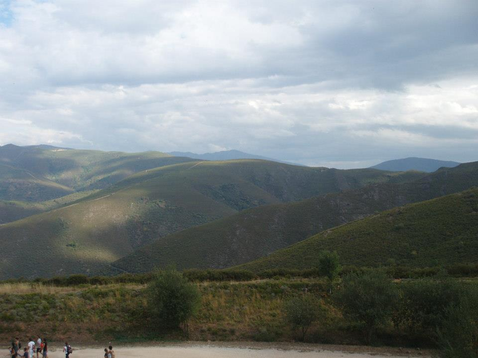 The view of the Macizo Galaico from the main viewpoint.